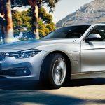 プリウスphvのライバル BMW330eは買いか?値段的にもステータス的にも上だけど性能的にはプリウスphvかなあ。でも3シリーズのデザインもぼちぼち飽きて来ましたね。